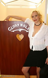 mature gloryhole @ a-z porn pics