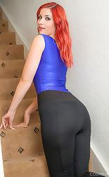 busty amateur @ a-z porn pics